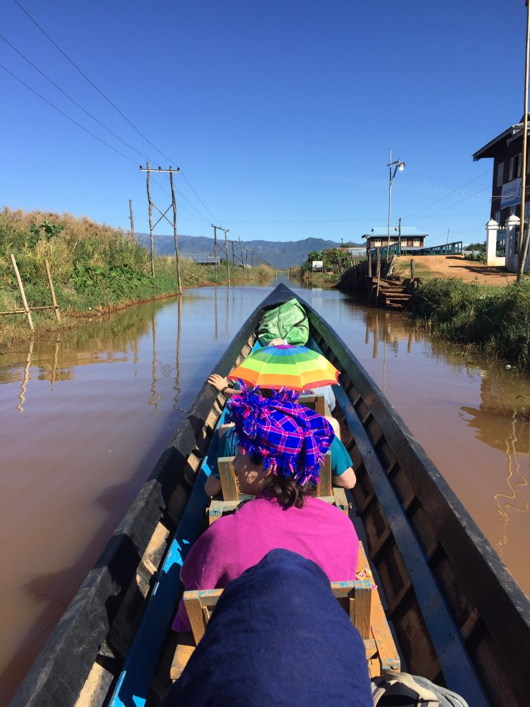 Long boat to Nyaungshwe.