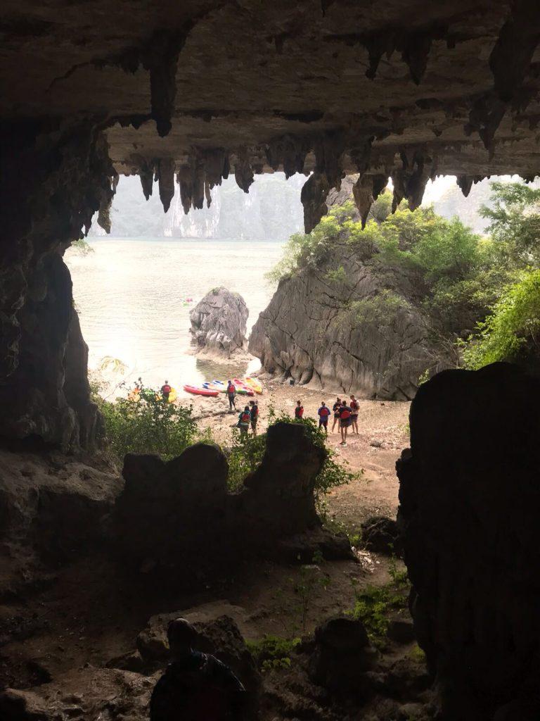 Bai Tu Long Bay Caves